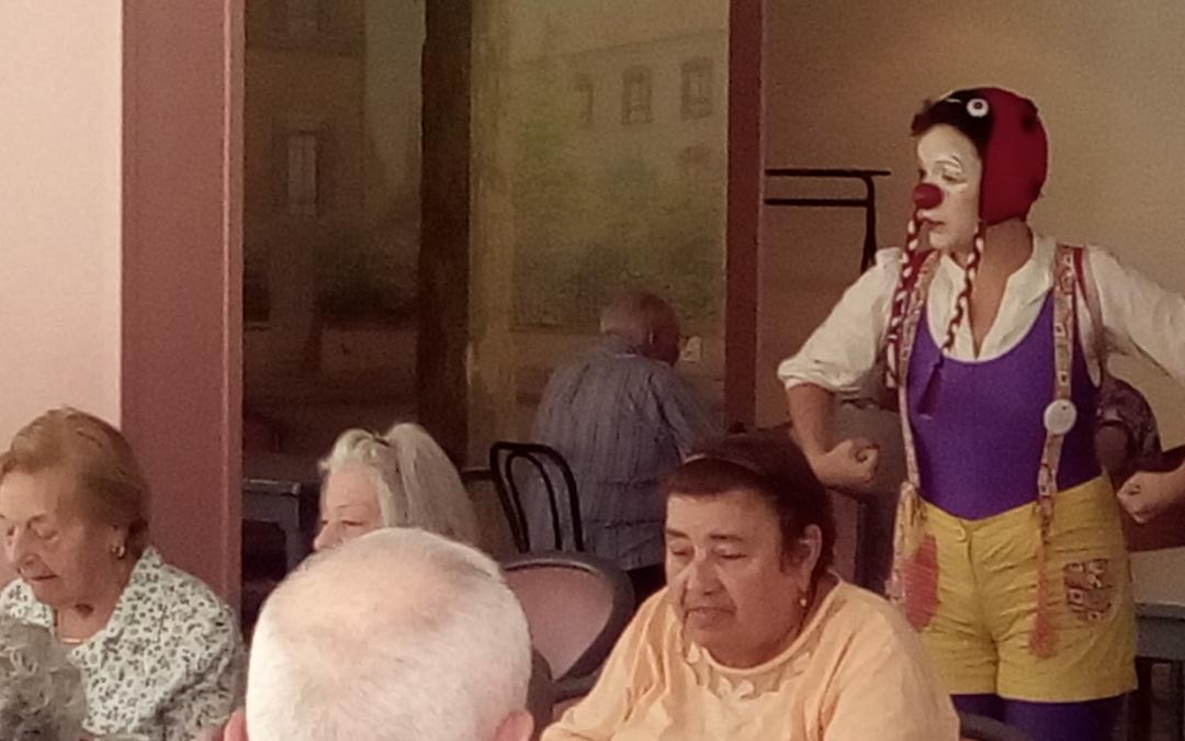 Antenne Rhône-Alpes : les Clowns lyonnais inaugurent le Foyer de Chassieu